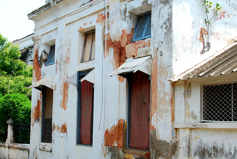 This bungalow could do with a bit of maintenance..