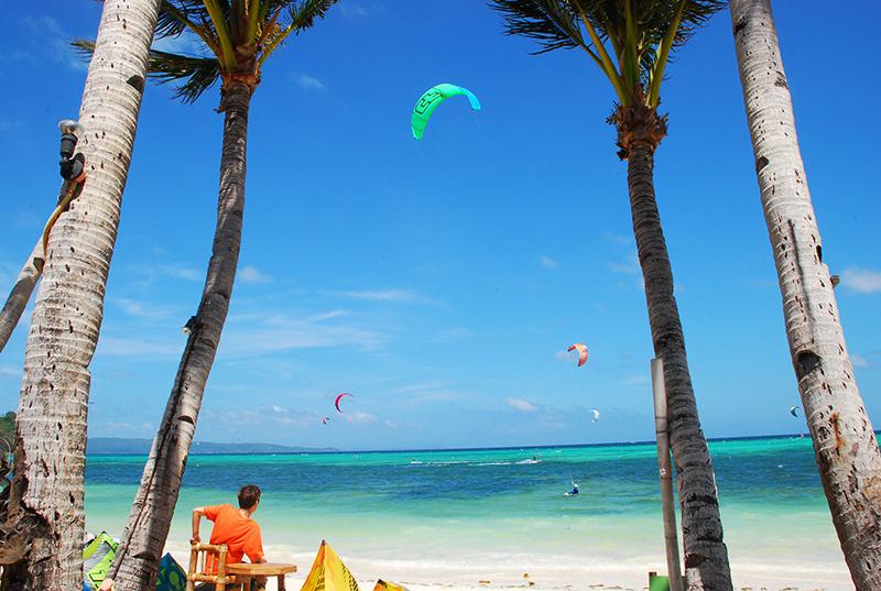 Watching the kite surfers do their stuff in Bulabog island